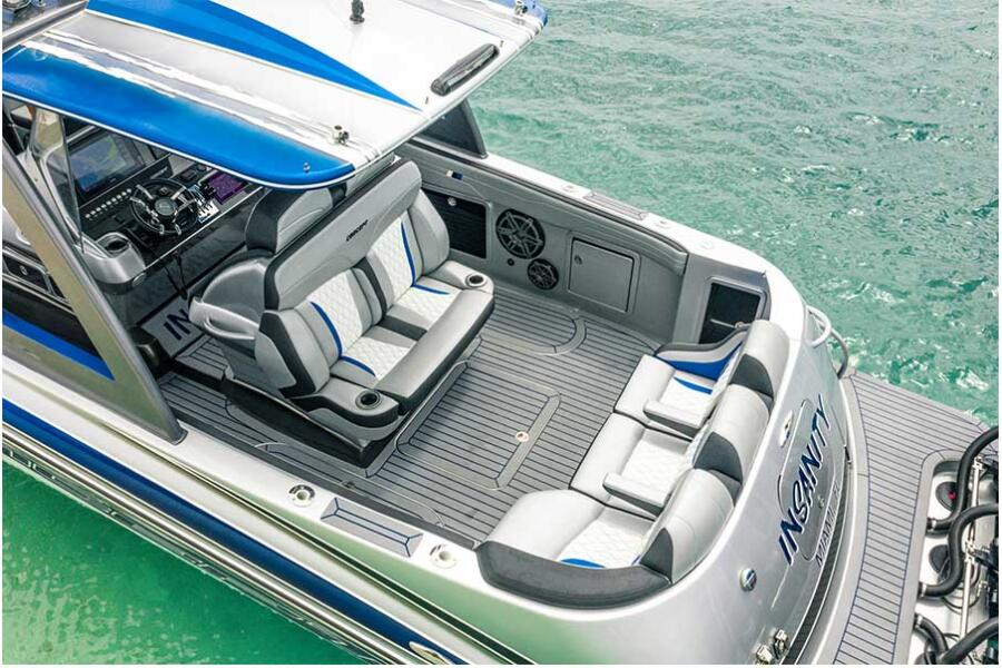Comfortable Seating for 8: <p>The 44 can comfortably accommodate your whole crew while underway and when you arrive at your destination.</p>